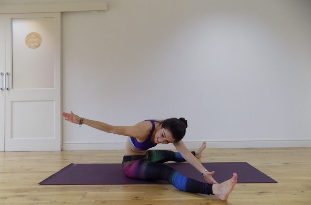 15 minute pilates with stretching workout!
